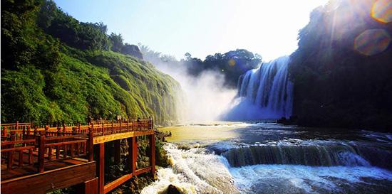 壁纸 风景 旅游 瀑布 山水 桌面 550_273